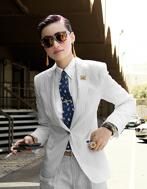 a77748a7a79451115f08cb86e9ae725b--white-suits-middle-east