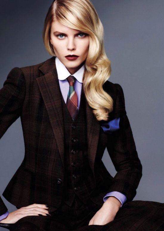 29e5e3f0393456a3a26099a21a366772--women-in-suits-tie-women
